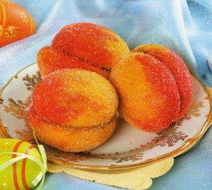 Персики пирожное